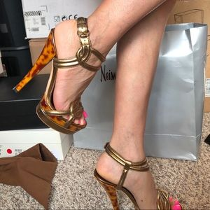 GUCCI High heels in Gorgeous gold size 6.5 US
